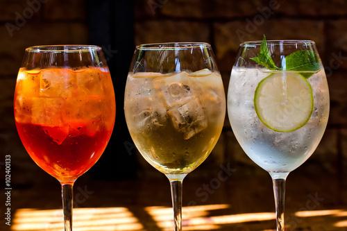 Canvas Print Cocktails: aperol spritz, sprizz (spriss), Martini royale