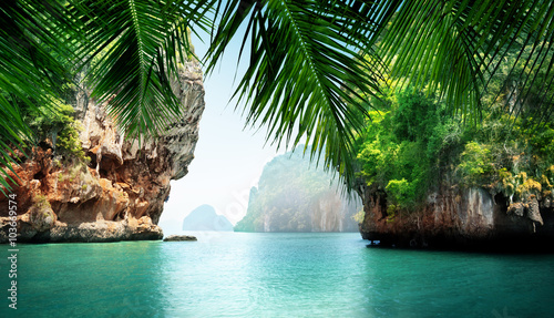 Photo tropical sea and rocks
