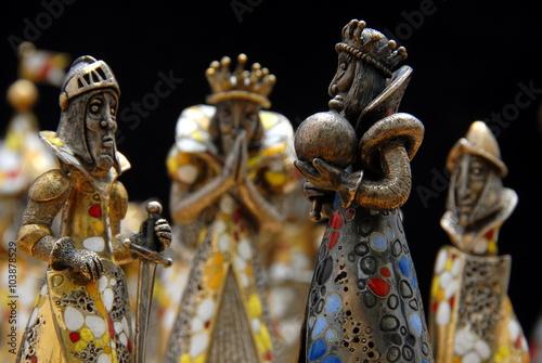Obraz na plátně Exkluzivní španělský šachy vyrobené ze stříbra, zlata a drahých kamenů
