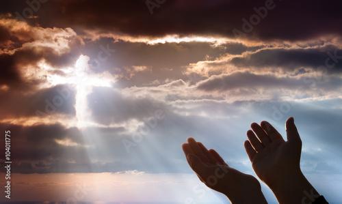 Fotografía Crucifix From Heaven - Faith And Prayer