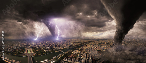 Valokuva Large Tornado disaster on a city