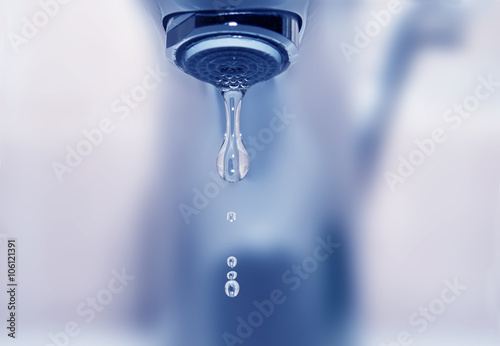 Fototapeta Falling water drop