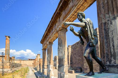 Canvas Print Ruins of Apollo Temple, Pompeii, Naples, Italy