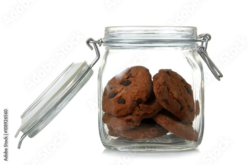 Fotografia transparent open a jar with delicious cookies with raisins isolated on white bac