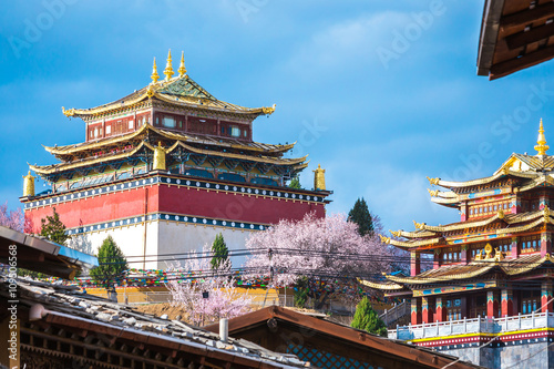 view of the golden temple in historical old town in chinese Fototapeta