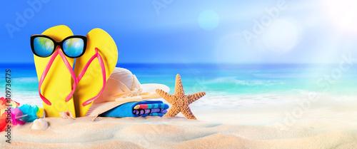 Plakat Akcesoria plażowe nad morzem - letnie wakacje