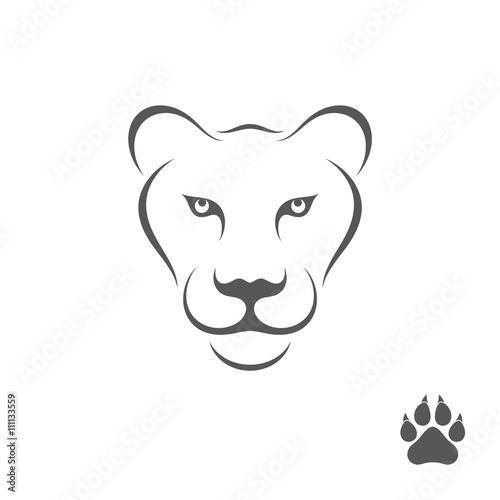 Carta da parati Lioness with paw print