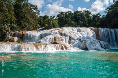 Fototapeta premium Wodospady Agua Azul, Chiapas, Meksyk