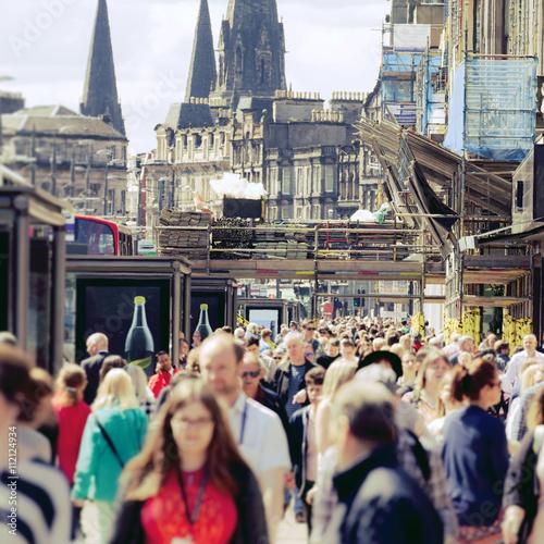 Edinburgh - Scotland - Crowds on Princes Street Fototapeta