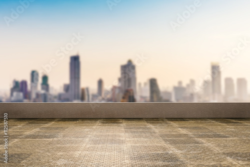 Canvas-taulu roof top balcony with cityscape background