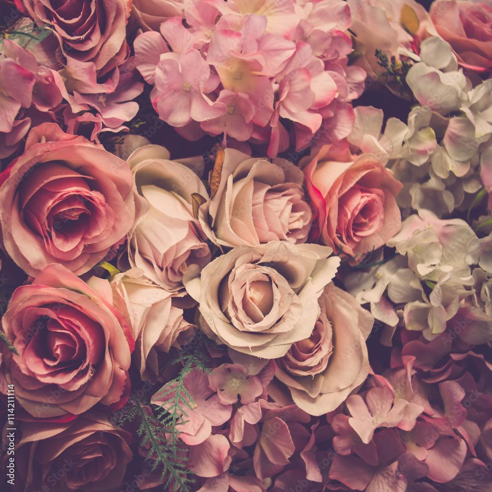 Fototapeta premium Bukiet róż w tle