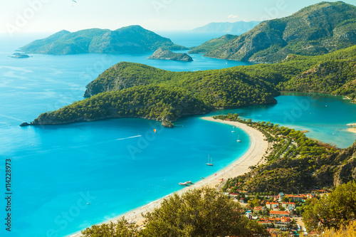 Fototapeta premium Laguna Oludeniz w morze krajobraz widok plaży