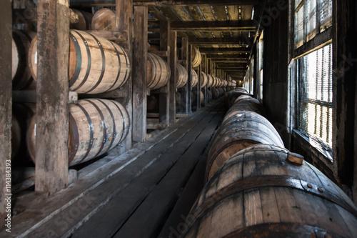 Canvas-taulu Oak Barrels