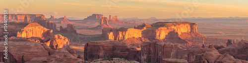 Photo Hunts Mesa is a rock formation located in Monument Valley, south of the border b