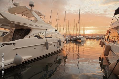 Obraz na plátně Boats in the old port of Saint Tropez, French Riviera