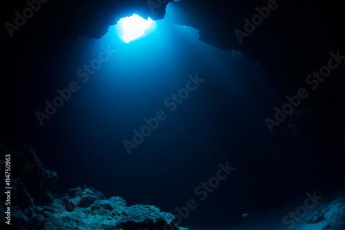 Fotomural Cave diving