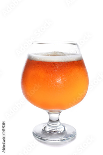 misted glass of cold beer on a white background фототапет
