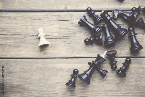 Obraz na plátně šachové figurky na stole