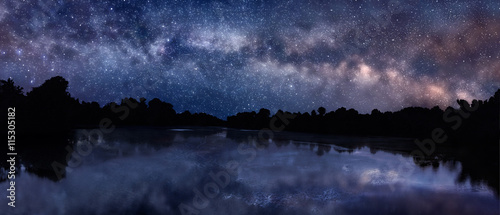Fotografia Milky Way over the lake