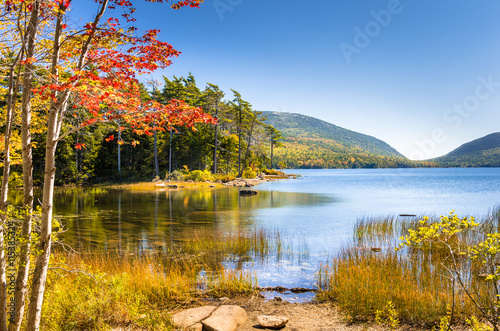 Canvas Print Lake on Clear Autumn day and Great Reflection in Water