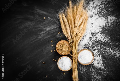 Vászonkép Wheat and flour