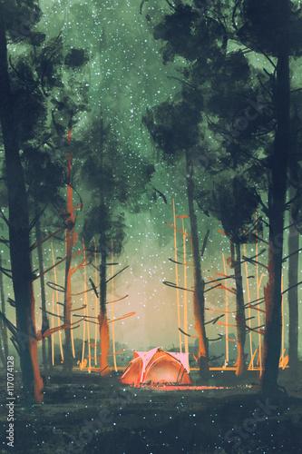 camping w lesie w nocy z gwiazdami i świetliki, ilustracja, malarstwo cyfrowe