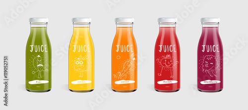 Fotografia Glass juice bottle brand concept. Packaging vector