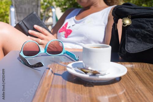 Canvas Print une pause café au soleil