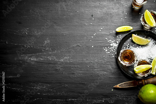 Obraz na plátně Tequila with salt and lime.