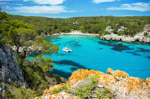 Foto Landscape of Cala Macarella beach, Menorca, Spain