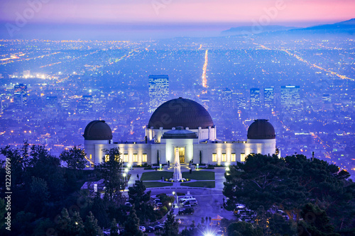 Obraz na plátne Los Angeles Griffith Observaory at sunset with city and distant Catalina Island