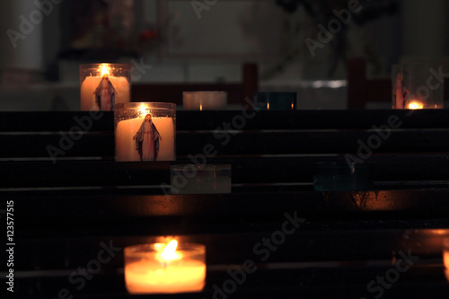 Obraz na plátně Cierges, bougies, Vierge Marie