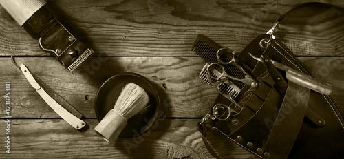 Fototapeta premium Vintage zestaw fryzjera. Tonowanie sepii