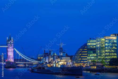 Stampa su Tela London cityscape including Tower Bridge, HMS Belfast and More London riverside