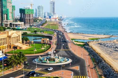 Canvas Print Aerial view of Colombo, Sri Lanka modern buildings