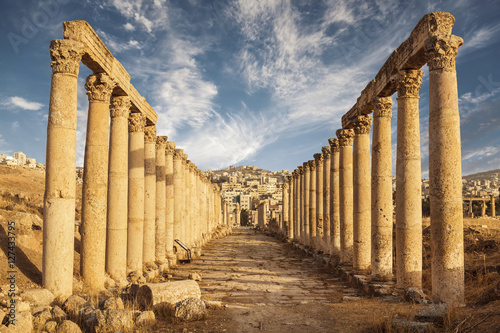 Photo Columns of the cardo maximus, Ancient Roman city of Gerasa of Antiquity , modern