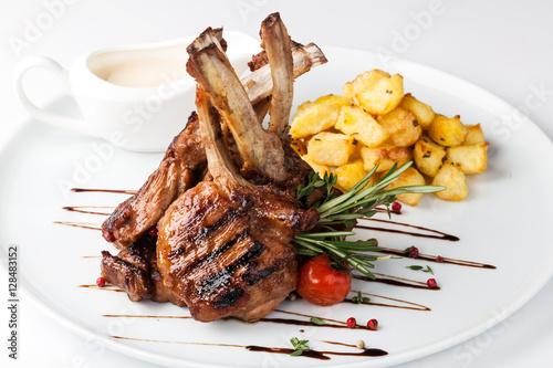 Stampa su Tela lamb chop meal with potato