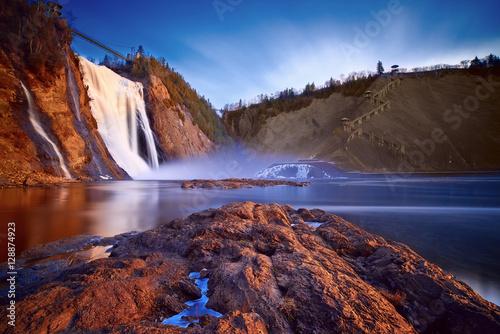 Fototapeta premium Wodospad Montmorency, Quebec, Kanada