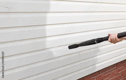 Wallpaper Mural cleaning the wall (vinyl siding) high pressure cleaner