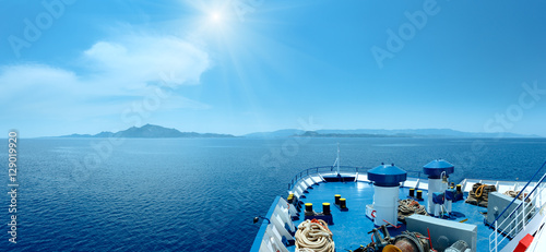Photo Summer sea sunshiny view from ferry (Greece)