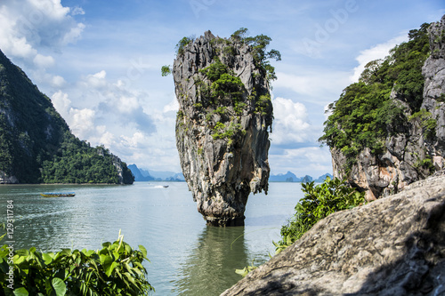 Canvas Print Beautiful lagoon landscape of James Bond Island rounded with mountains in Phuket island, Thailand