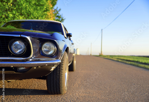 Fotografie, Obraz Ford Mustang OIdtimer Hintergrund