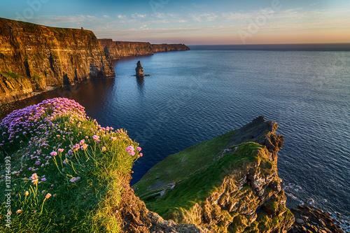 Obraz na płótnie Ireland countryside tourist attraction in County Clare