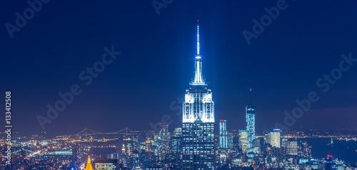 View of New York Manhattan during sunset hours Fototapet