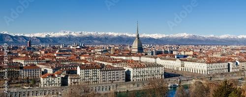Fotografia Winter panorama of Turin (Piedmont, Italy), with the Mole Antonelliana, Vittorio