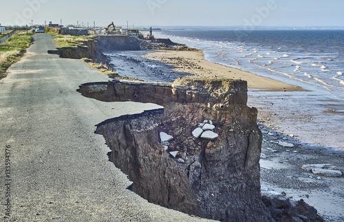 Fotografie, Tablou Coastal erosion of the cliffs at Skipsea, Yorkshire