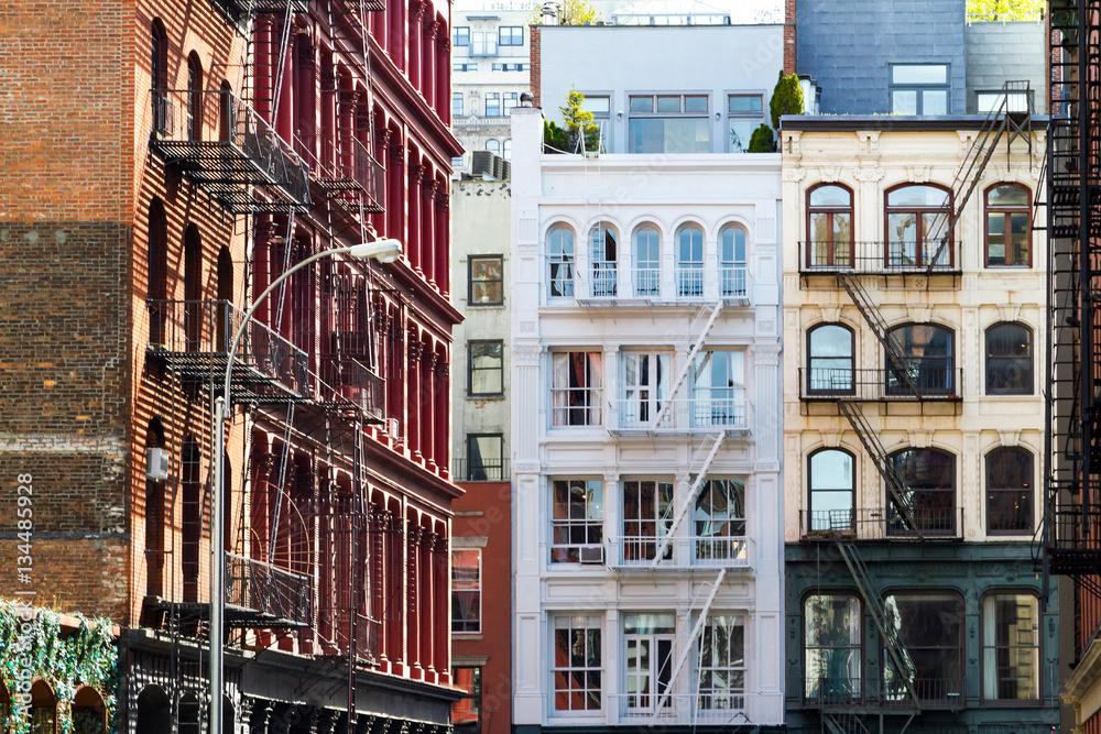 Historyczne budynki w SoHo Manhattan Nowy Jork NYC <span>plik: #134485928 | autor: deberarr</span>