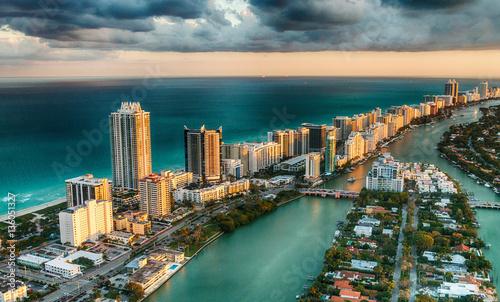Fototapeta premium Widok na panoramę Miami Beach na Florydzie