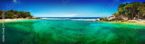 Obraz na plátně Caribbean beach and tropical sea in Haiti