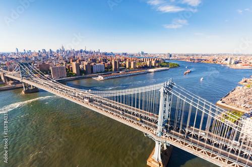 Fotografering Manhattan Bridge over the East River in New York